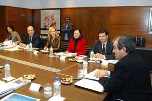 Cascos, en una reunión de la mesa del Acuerdo para la Competitividad, el Empleo y el Bienestar de Asturias.