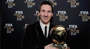 Leo Messi con el Balón de Oro 2011.