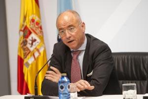 Santiago Camba presentó el 'Barómetro de la Inmigración' del año 2011.