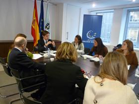 Jesús Gamallo con los directores de las oficinas en Bruselas del resto de Comunidades Autónomas.