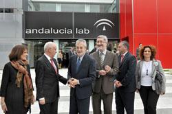 Griñán momentos antes de la inauguración de la nueva sede de Andalucía Lab en Marbella.