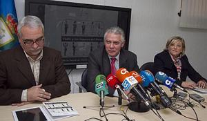 Menacho presenta el proyecto 'Cádiz y los lugares del Doce'.