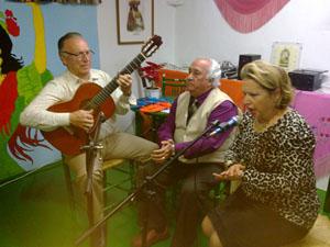 La fiesta terminó con cantes de flamenco.