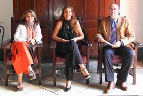 Los galardonados Liuba Mª Hevia, Odalys Torres -que recibió el premio a su marido Luis Gardey- y Aurelio Francos.