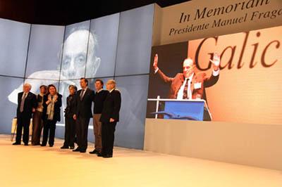 Alberto Núñez Feijóo y Mariano Rajoy junto a otras autoridades en el homenaje a Fraga.
