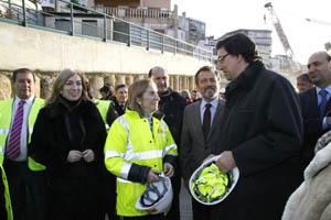 Agustín Hernández, xunto coa ministra Ana Pastor, asisten ao arranque da tuneladora na rúa San Lorenzo de Vigo