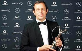 El presidente del Barcelona, Sandro Rosell, recibió el Premio Laureus.