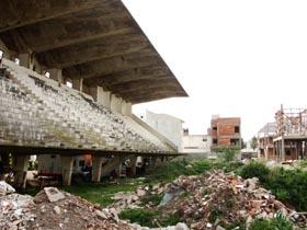 Los directivos del Club Deportivo Español temen que sus instalaciones acaben como las del Club Santamarina de Tandil, en la imagen.