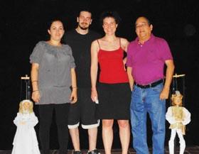 Componentes del 'Teatro di Commedia' con Augusto Blanco Ugarte.