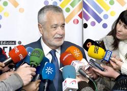 José Antonio Griñán asistió en Bonares a la entrega de los Premios Arco Iris del Cooperativismo.