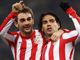 Adrián y Falcao fueron las estrellas del Atlético ante el Lazio.