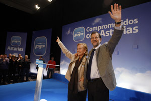 Mariano Rajoy presentó a Mercedes Fernández como cabeza de lista al Principado en un acto político en Oviedo.