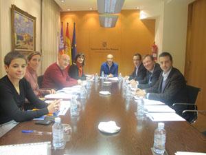 El conseller Gómez presidió la reunión.
