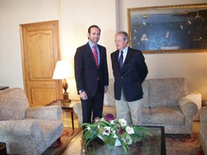 Bauzá y Antonio Mas en el Consolat del Mar.