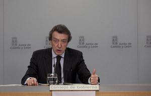 El consejera de la Presidencia, José Antonio de Santiago-Juárez, en rueda de prensa.