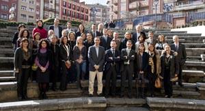 Foto de grupo de los participantes en la reunión.