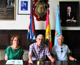 Sofía Rolán Nuñez, Alfredo Gómez y Valentín López durante la conferencia.