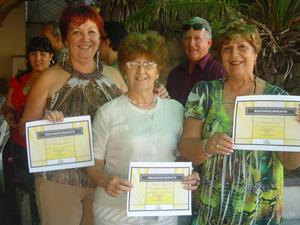 Las premiadas en el concurso de cocina.
