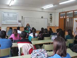 Blanca Muñoz ofrece la charla sobre emigración.