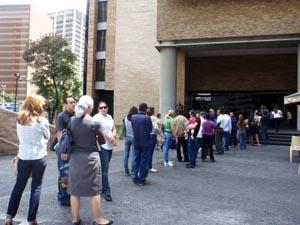La actividad del Consulado de España en Caracas se desarrolló con normalidad el pasado viernes 16 de marzo.