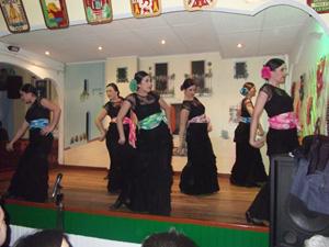 El grupo de baile Algarabía.