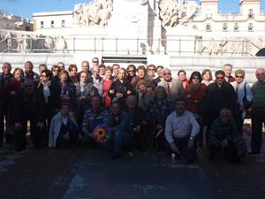 Los socios de la entidad viajaron a Cádiz para celebrar 'La Pepa'.