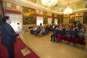 Javier Moliner se dirige a los valencianos residentes en el exterior.