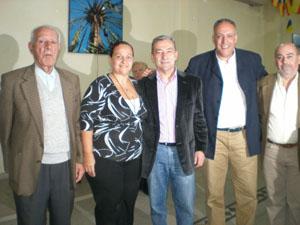 Rivero y Padrón junto a directivos de las instituciones canarias en Argentina.