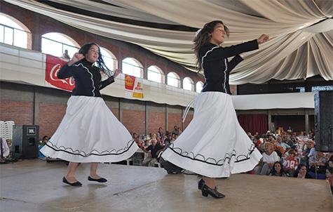Una de las actuaciones presentadas en la romería.