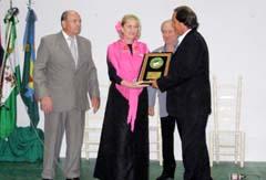 Oscar Tineo recibe la distinción Al-Andalus. Iberinfo