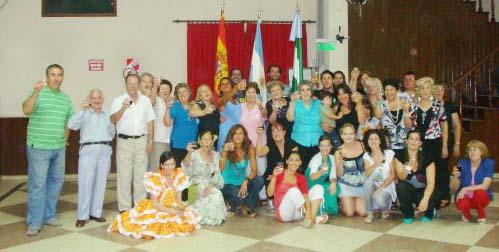 Brindis final por la asociación, Andalucía y Argentina.