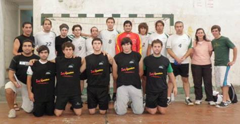 Jugadores y cuerpo tecnico del equipo del Centro Andaluz de Bahía Blanca.