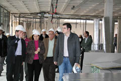 Ramos con alcaldes orientales en las obras del juzgado.