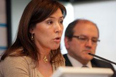 Beatriz Mato informa del Plan de Choque frente a la crisis.