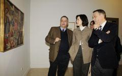 González-Sinde y Varela durante su visita a la exposición de Maruja Mallo en Madrid.