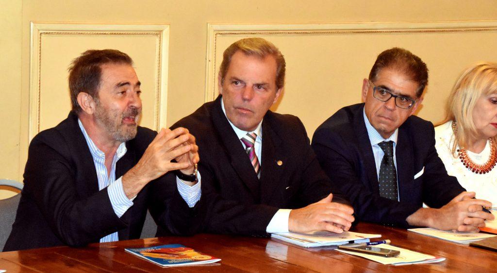 Intervención del cónsul español, José Rodríguez Moyano, en la asamblea de la FIEU.