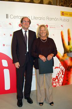 El ministro de Educación, Ángel Gabilondo, y María García Campelo.