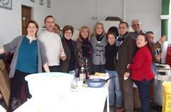 Un grupo de socios en la sede de la entidad.