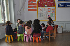 Los pequeños de la guardería en una de las actividades.
