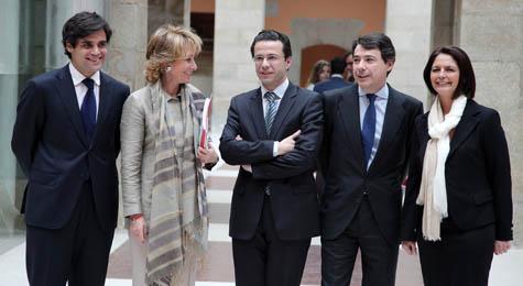 Juan José Güemes, Esperanza Aguirre, Javier Fernández-Lasquetty, Ignacio González y Paloma Adrados, tras el Consejo.