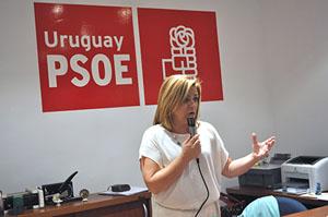 La secretaria de Relaciones Internacionales del PSOE, Elena Valenciano, en la sede del partido en Montevideo.