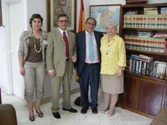 La delegación del Govern se reunió con el cónsul Pablo Barrios.