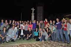 El presidente de la Xunta con los jóvenes  en el Centro Gallego.