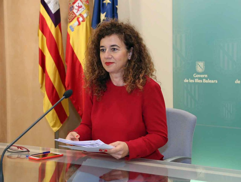 La consellera de Presidencia, Pilar Costa i Serra, informó de los acuerdos del Consell de Govern.