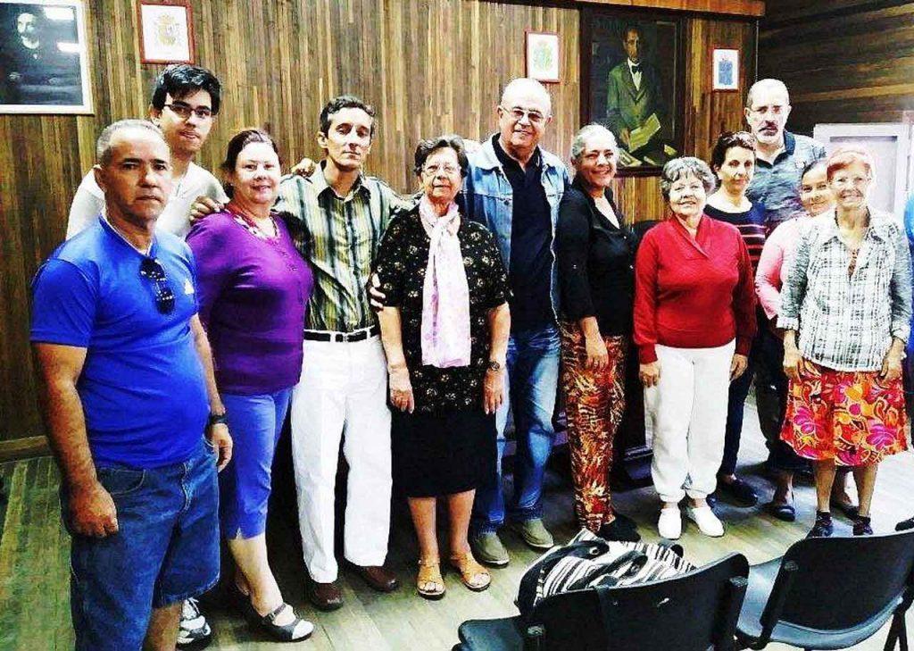 Jorge Piñero, centro, con otros miembros de la directiva de la Sociedad Casina de La Habana.