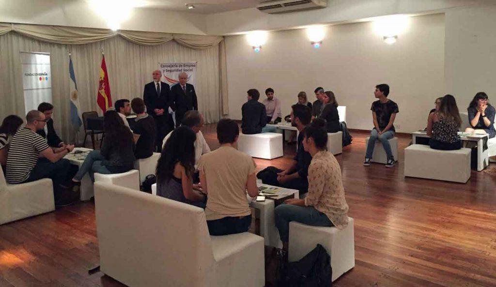 Un momento del encuentro de jóvenes celebrado en el Club Español de Buenos Aires.