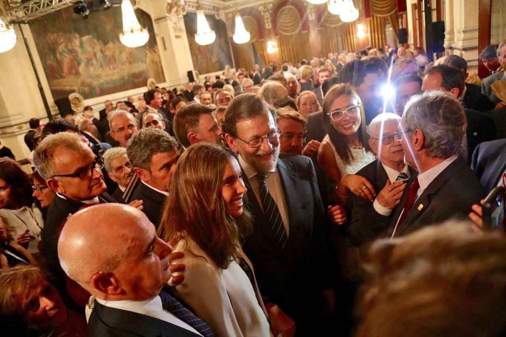 El presidente Rajoy recibió el cariño de la colonia española.