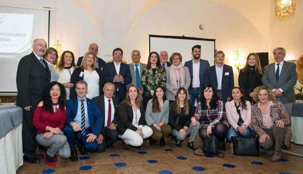 Los miembros del Consejo con el presidente de la Junta de Extremadura, Guillermo Fernández Vara.