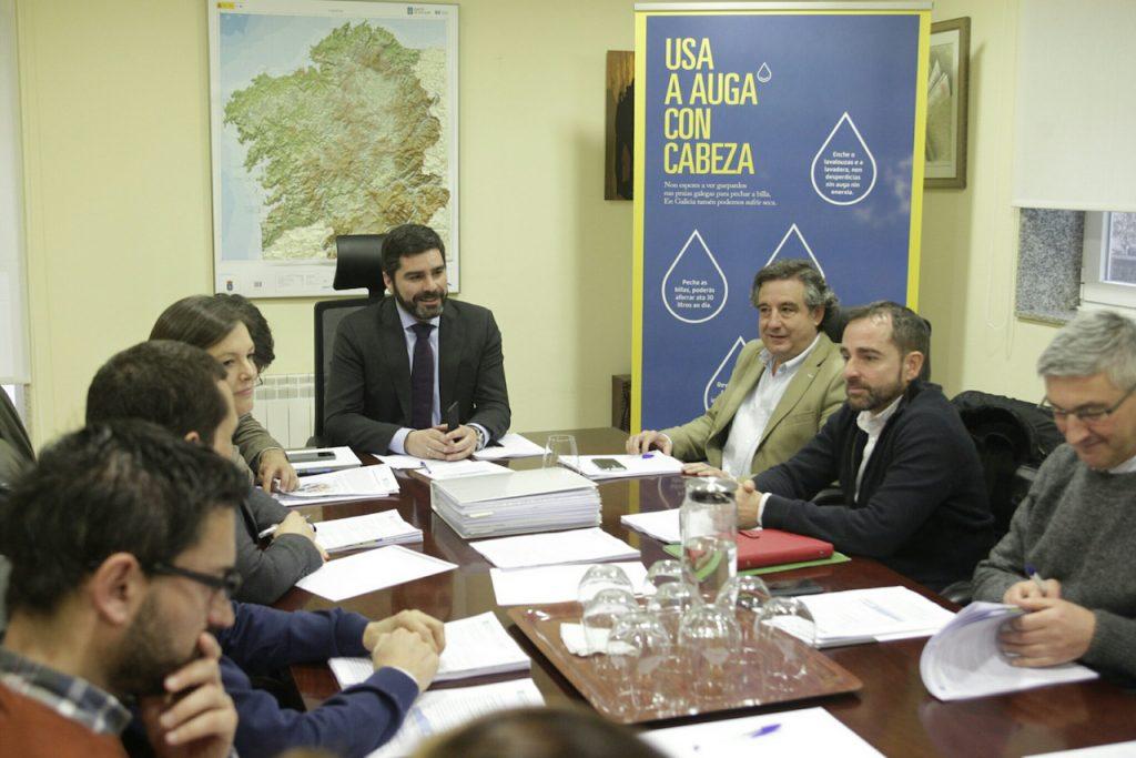 Roberto Rodríguez (al fondo) presidió la reunión de la Oficina Técnica da Seca.