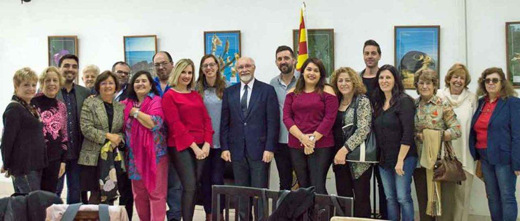 Los directivos baleares con el consejero de Empleo y Seguridad Social, José Luis Mira.